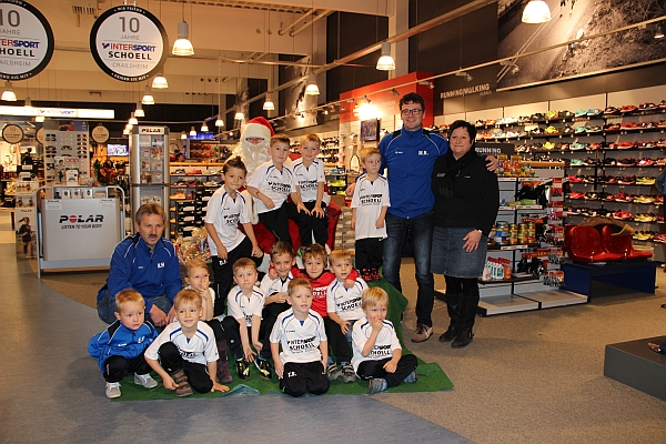 Die Bambinis bei Intersport Schoell in Crailsheim